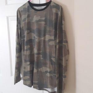 11f689b27c6fd ... Long sleeved camo shirt ...